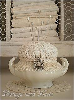 Idea for Victorian pin cushion! :)