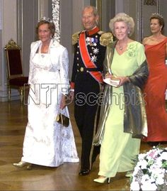 Countess Ruth and Count Flemming of Rosenborg with Princess Kristine Bernadotte arrive at The Royal Palace for the wedding dinner; wedding of Crown Prince Haakon of Norway and ms. Mette-Marit Tjessem Høiby, August 25th 2001