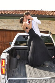 country prom picture ideas for couples Homecoming Poses, Homecoming Pictures, Prom Photos, Senior Prom, Prom Pics, Senior Year, Senior Photos, Prom Pictures Couples, Prom Couples