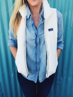 Patagonia Women's Los Gatos Vest- Birch White from Shop Southern Roots TX. Saved to Epic Wishlist. Moda Preppy, Preppy Mode, Preppy Style, My Style, Adrette Outfits, Casual Outfits, Cute Preppy Outfits, Western Outfits, Fall Winter Outfits