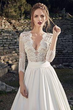 776b56d421e A-line V-neck Sweep Brush Train Long Sleeve Chiffon Wedding Dress