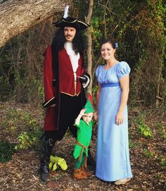 Family costume peter pan wendy tink captain hook lost boys family costumes as peter pan wendy captain hook for halloween my mother solutioingenieria Images