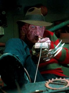 Freddy's Dead:The Final Nightmare Directed by Rachel Talalay Freddy Krueger returns once again to haunt both the dreams of his daughter and Springwood's last surviving teenager. Freddy Krueger, New Nightmare, Nightmare On Elm Street, Scary Movies, Horror Movies, Freddy's Dead, Robert Englund, Slasher Movies, Funny Horror