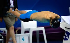 China's Zheng Tao dives into the pool at the start of Men's 50m Freestyle S6 Final at the 2012 Paralympics in London, on September 4, 2012. (AP Photo/Emilio Morenatti)