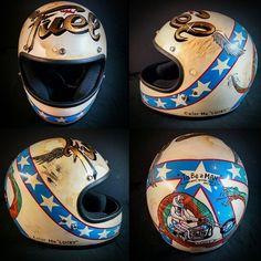 color me 'lucky' Triumph Motorcycles, Cars And Motorcycles, Bobber Helmets, Vintage Helmet, Helmet Paint, Custom Helmets, Custom Cycles, Helmet Design, Cool Gear