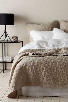 Ellos Home Sengeteppe Candice i vasket lin 260x260 cm - Natur - Dobbeltseng - Ellos.no Comforters, Texas, Blanket, Interior, Fri, Home, Products, Nature, Creature Comforts