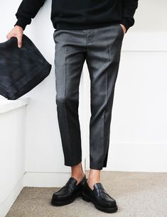Cropped Pants, High Shoes