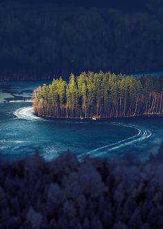 Semi-Frozen Lake Island, Alanko, Finland - Most Beautiful Landscapes Ever Places To Travel, Places To See, Places Around The World, Around The Worlds, Beautiful World, Beautiful Places, Thinking Day, All Nature, Nature Pics