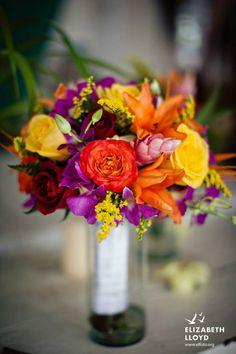 Bouquet de novia tropical con rosas, Lilies, aves de paraiso y Dendrobium.