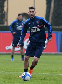 Roberto Gagliardini of Italy in action during the training session at the club's training ground at Coverciano on February 21, 2017 in Florence, Italy.