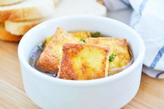 Diese #Toastwürfel sind eine köstliche #Suppeneinlage. Dieses Rezept geht einfach und begeistert besonders ihre Kinder.