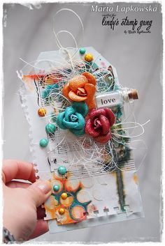 http://artistycrafty.blogspot.ie/2015/09/september-colour-chaallenge-at-lindys.html