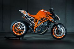 KTM 1290 SuperDuke-R prototype to appear at EICMA