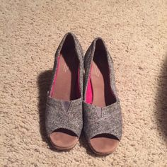 Toms wedges 7.5 Only worn twice. Great condition! TOMS Shoes Wedges
