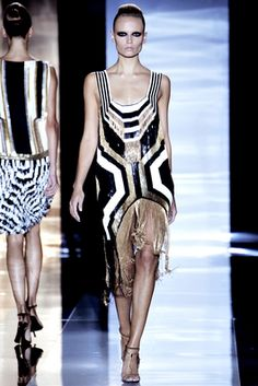 b41bec3f87ab Farfetch - For the Love of Fashion. Spring Fashion TrendsRunway ...