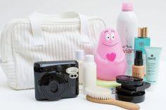 la valise de maternite pour la maman Cool Baby Stuff, Fujifilm Instax Mini, Fun, Mobiles, Baby List, Baby Puffs, Pregnancy Announcements, First Baby, Baby Arrival