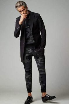 White Sneakers, Leather Jacket, Mens Fashion, Dandy, Clothing, Jackets, Outfits, Moda Masculina, Style
