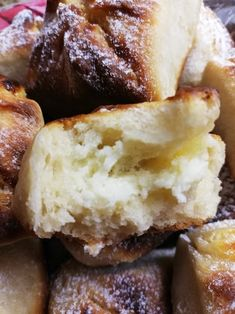 Helenkine dobroty - Tvarohové kváskové batôžky Mashed Potatoes, Ethnic Recipes, Food, Whipped Potatoes, Smash Potatoes, Essen, Meals, Yemek, Eten