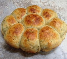 37 Cooks: Slow Cooker Dinner Rolls #recipes #HamiltonBeach