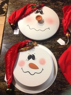Snowman hanging pot lid and pie pan Christmas Crafts To Make, Christmas Shows, Christmas Snowman, Homemade Christmas, Christmas Projects, Winter Christmas, Holiday Crafts, Christmas Themes, Christmas Gifts