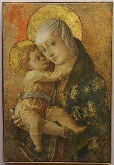 "English: Carlo Crivellis ""Madonna con bambino"" (Madonna with child). Fragment of an altar in the Chiesa degli Osservanti in Macerata. Created in circa 1470, tempera on wood, transferred to canvas. 61.9 x 41 cm. On display in the Pinacoteca de Macerata"