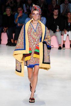 8ea18af97982 15 inspirerande Spring-19 bilder i 2019   Ladies fashion, Fashion ...