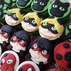 Mini cupcake Ladybug Miraculous, recheado com brigadeiro ou doce de leite.    ENVIO PELO CORREIOS, PARA FORA DA CIDADE DE SÃO PAULO, SOMENTE SEDEX 10 E SEDEX 12    PESO APROXIMADO