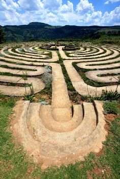 The Labyrinth at The Edge, a mountain retreat in Hogsback in the Eastern Cape, is an eleven circuit Labyrinth, similar in design to the Chartres Cathedral Labyrinth in France, and displays one of the most elaborate Labyrinth designs. The actual distance traveled along its path is 1.4 kilometers, which makes it one of the world's largest.