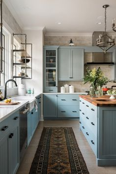 Pictures of the HGTV Smart Home 2018 Kitchen Blue kitchen cabinets + vintage rug + butcher block island countertop + farmhouse sink + industrial open shelving + industrial pendent lights Home Decor Kitchen, Kitchen Interior, New Kitchen, Home Kitchens, Kitchen Ideas, Kitchen Modern, Kitchen Layout, Farmhouse Interior, Apartment Kitchen