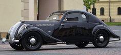Fotogalerie: Škoda Popular Sport Monte Carlo z roku V letech 1936 až 1938 bylo. Classic Sports Cars, Classic Cars, Vintage Cars, Antique Cars, Art Deco Car, Popular Sports, Cute Cars, Amazing Cars, Monte Carlo