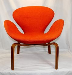 Original 1960 s Mid Century Modern Swan Chair by Arne Jacobsen for Fritz  HansenDanish Modern Teak Tray Table by Engholm and Willumsen for Fritz  . Fritz Hansen Chairs Ebay. Home Design Ideas