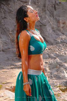 Armpit Actress Photo: Sonia Mann Smoking Hot & Spicy Bulging Melons,Navel & Armpits In a Wet Blouse & Skirt- Sexy Armpit Sexy Blouse, Blouse And Skirt, Saree Blouse, Beautiful Indian Actress, Beautiful Actresses, Beautiful Women, Navel Hot, Bollywood Actress Hot Photos, Tamil Actress