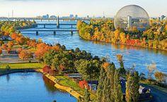 """A Île Sainte-Hèléne, onde está a Biosphère, em paisagem outonal, Montreal, Canada (Fonte: Viagem e Turismo """"Montreal, Canadá: sugestões de atrações para ir em qualquer época do ano"""")"""