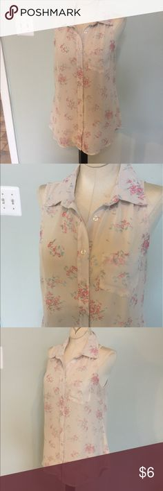 Rue 21 Sleeveless Summer Top Button down Top by Rue 21.Nice condition,Sz Med. Rue 21 Tops Tunics