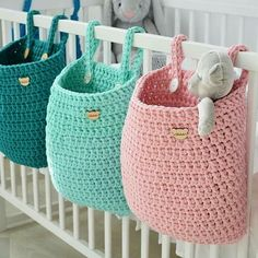 What a great idea Regrann Pracownia Shekoku fiveemalha croche cro - Crochet Storage, Crochet Toys, Knit Crochet, Wall Hanging Storage, Hanging Baskets, Knitting Patterns, Crochet Patterns, Crochet Basket Pattern, Crochet Home Decor