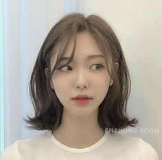 Ulzzang Short Hair, Korean Short Hair, Short Brown Hair, Short Hair With Bangs, Short Hair Cuts, Korean Haircut Medium, Baddie Hairstyles, Pretty Hairstyles, Brown Hair Korean
