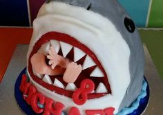 Vickys Great White Shark Cake Recipe -  Yummy this dish is very delicous. Let's make Vickys Great White Shark Cake in your home!