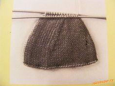 TECHNIKA PLETENÍ PONOŽEK SE SADOU 5 JEHLIC   Mimibazar.cz Knitted Hats, Knitting, Knit Hats, Tricot, Knit Caps, Breien, Knitting And Crocheting, Crochet, Cable Knitting