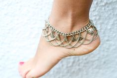 gotta LOVE this anklet.  I want!
