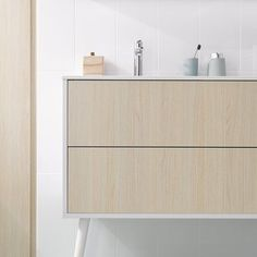 Bathroom unit on vintage legs by Schmidt...design your bathroom for extra comfort and store all your cosmetics and so on. 😉 #bathroom #bathroomdesign #schmidtdorking #interiordesign