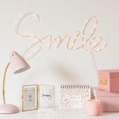 Mot déco lumineux mural en rose pâle | Maisons du Monde