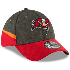 finest selection a9ed3 b5c87 Men s Tampa Bay Buccaneers New Era Pewter Red 2018 NFL Sideline Home  Official 39THIRTY Flex