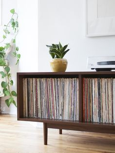 c- Mid century modern inspired record cabinet // vinyl setup // record collection storage