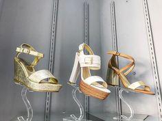 Reposting @lazapatillapresumida_shoetique: 👑NUEVOS MODELOS 👑La Zapatilla Presumida ✈️📦 envíos a toda la republica mexicana 🇲🇽 #highells #tacones#shoes#calzado#calzadomexicano#tendence #moda #fashion #negro #zapatillas #lazapatillapresumida#shoeslovers #shoeporn #shoestagram#shoesoftheday #heels #heelsaddict #shoeslover #sandals#sandalias #heelspesta