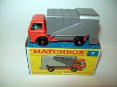MATCHBOX 1966 FORD REFUSE TRUCK #7 LESNEY ENGLAND