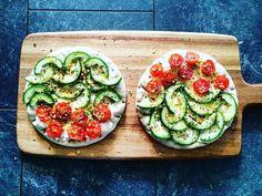 "Healthy Belly på Instagram: ""Cucumber & baby Tomato sandwiches w/ homemade #Dukkah! #ashpazi_shoma"""