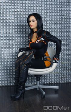 Character: Miranda Lawson / From: BioWare's 'Mass Effect' Video Game Series / Cosplayer: Maria Khanna (aka Maria Hanna Cosplay, aka Hannuki) Cosplay Outfits, Cosplay Girls, Cosplay Costumes, Mass Effect Cosplay, Miranda Lawson, Latex Cosplay, Botas Sexy, Cosplay Characters, Girl Day