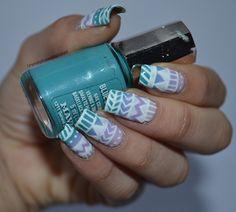 I'm might be unpretty but at least I'm well polished | A nail art blog. #nail #nails #nailpolish #nailart #mavala #blue #purple #white #gradient #patterns