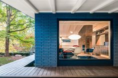 This Renovated Mid-Century House Features a Stunning Exterior - Mid Century Home