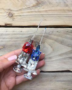 По всей России разлетелись эти красавчики Синий сделан на заказ Красный в наличии❤️ #брошкакрошка #брошьизбисера #брошькиев #брошьспб #брошь #handmade #handmadejewelry #handmadeaccessory #handmadeaccessories #handmade_ru_jewellery